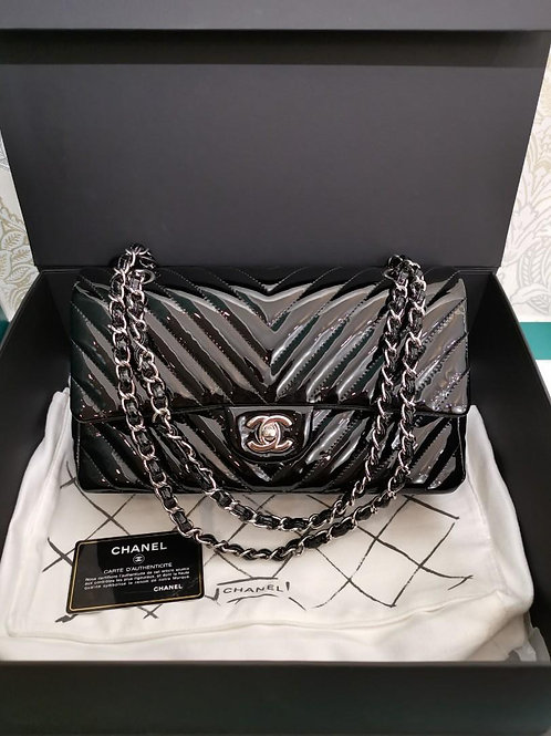 #21 LNIB Chanel Medium Classic Double Flap Black Chevron Patent with SHW