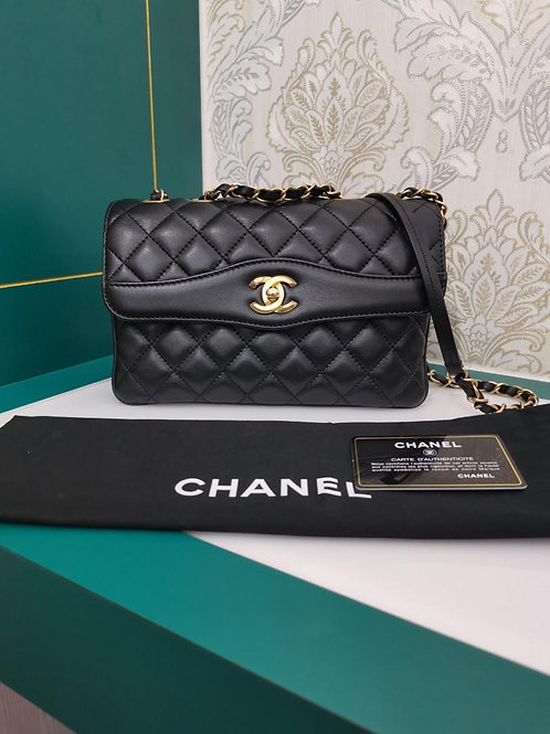 #24 Like New Chanel Coco Vintage Flap Medium Black Lamb GHW