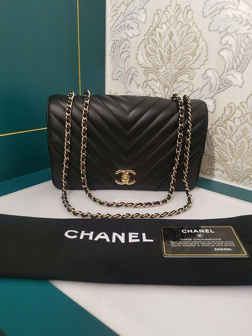 #26 Brand new Chanel Chevron Flap Black Calfskin with GHW
