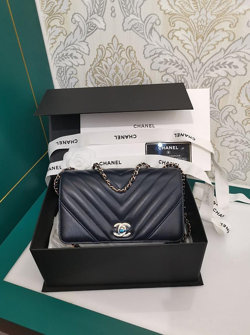 #28 BNIB Chanel Statement Flap Mini Navy Calf with light GHW