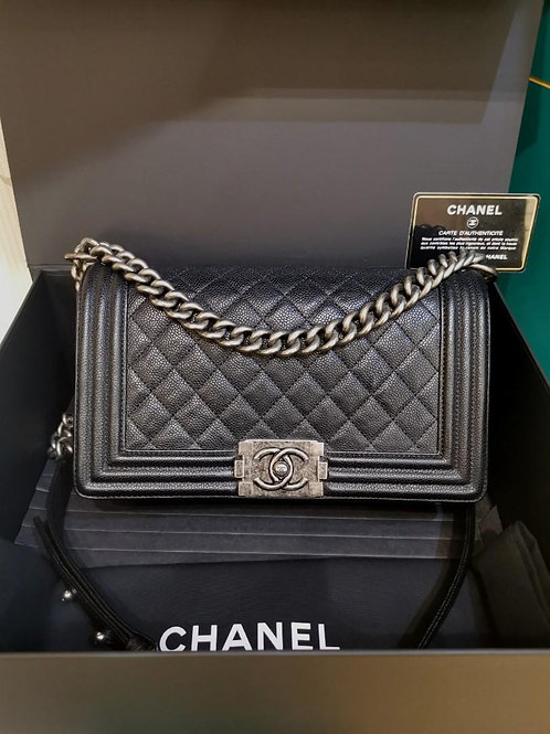 #23 Excellent Chanel Boy Old Medium Caviar Black RHW