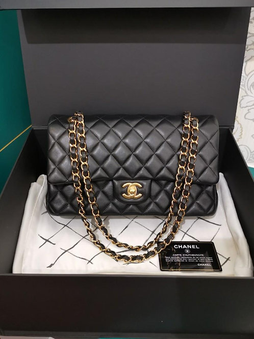 #19 LNIB Chanel Medium Classic Double Flap Black lamb with GHW