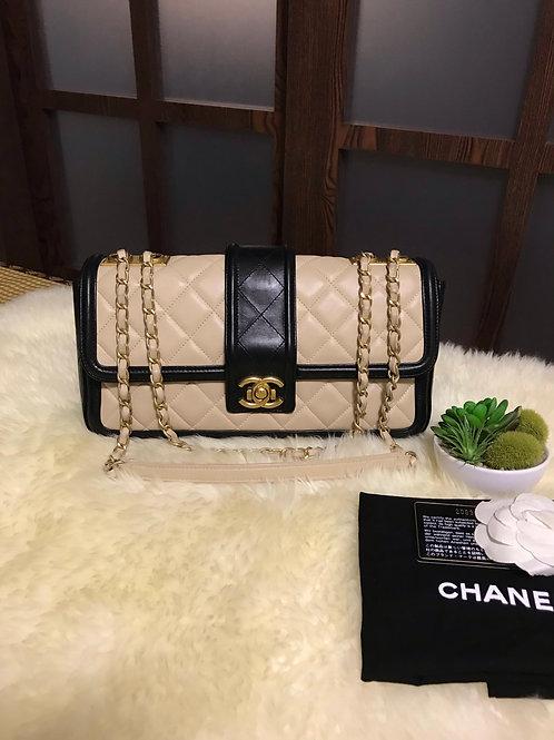 #20 Chanel Jumbo Seasonal Flap Handbag With Ghw