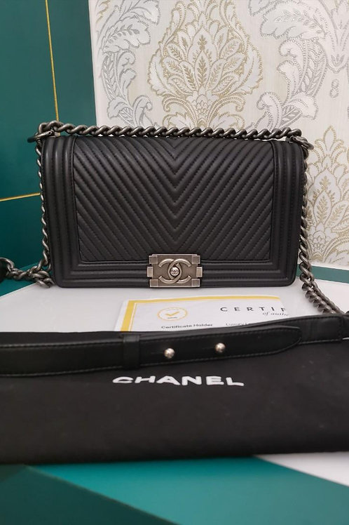 #19 Like New Chanel Boy Chevron Old medium Calf Black with RHW