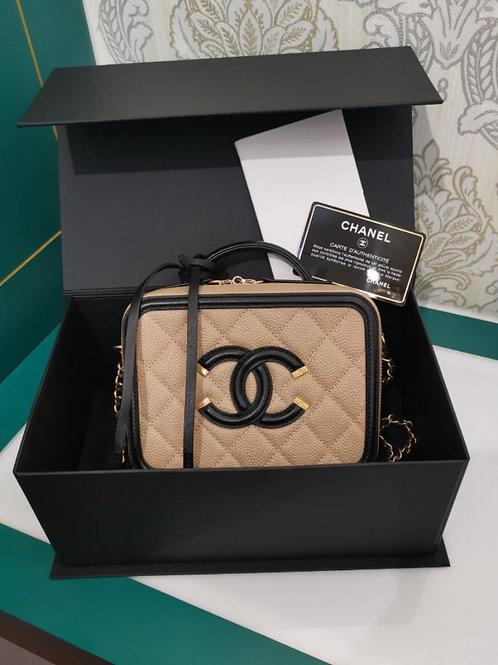 #22 BNIB Chanel Vanity Case Small Caviar Beige/Black GHW