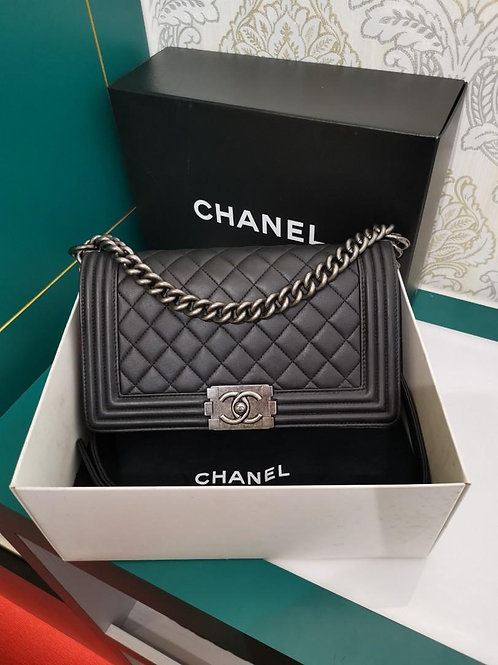 #19 Chanel Boy Old Medium Black Lamb RHW