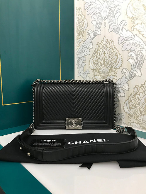 Excellent Condition Chanel Boy Chevron Old Medium Black Calf with RHW