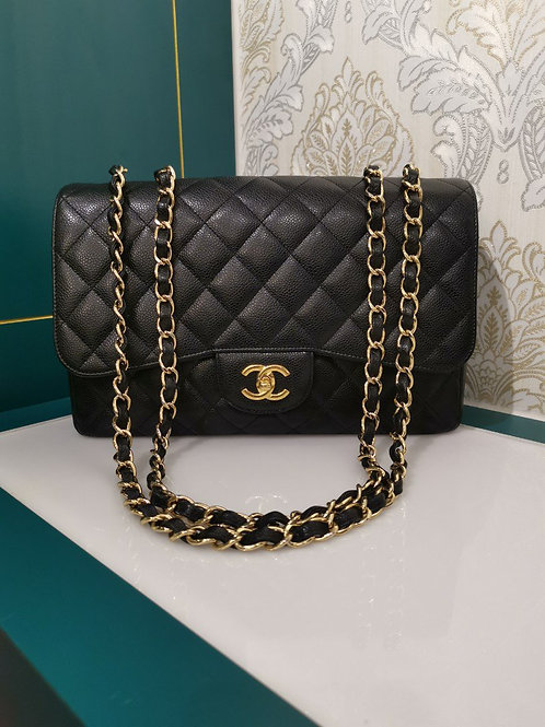 Almost New Chanel Jumbo Singel Flap Black Caviar with GHW