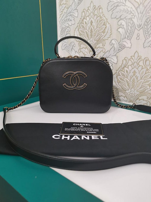 #23 Like New Chanel Coco Curve Vanity Case Black Calf with Goatskin aged GHW