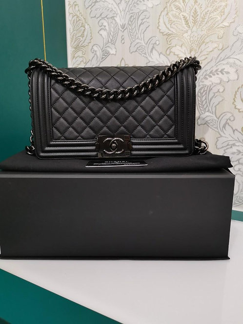 #24 LNIB Chanel Old Medium So black Calf