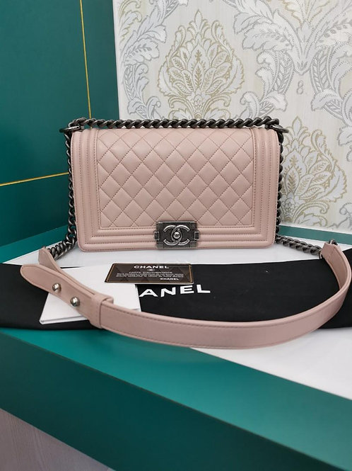 #23 Like New Chanel Boy Old Medium Nude Pink Lamb with RHW