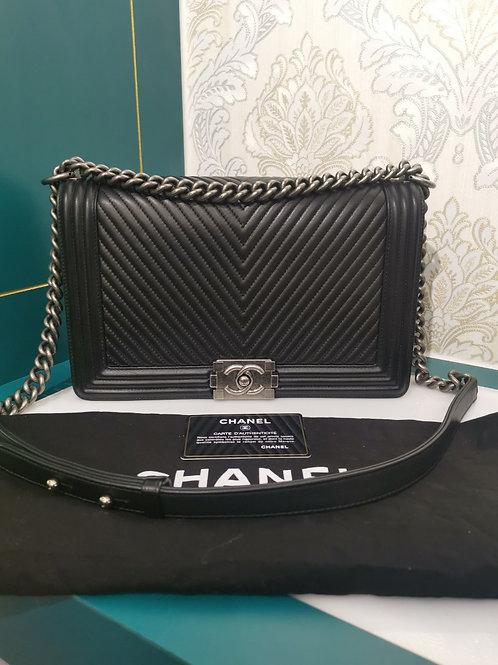 #20 Like New Chanel Boy Chevron New Medium Black Lambskin with RHW