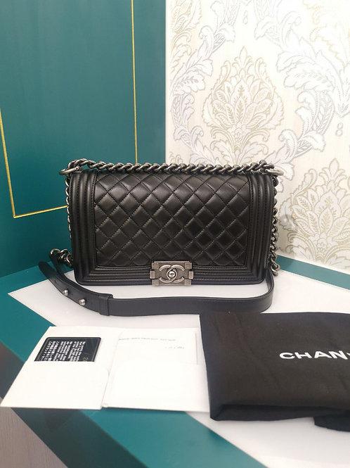 #24 Brand new Chanel Boy Old medium Black Calfskin with RHW
