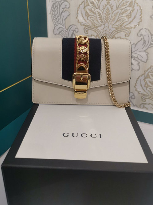 Brand new Gucci Sylvie Mini Chain Bag White Calfskin with GHW