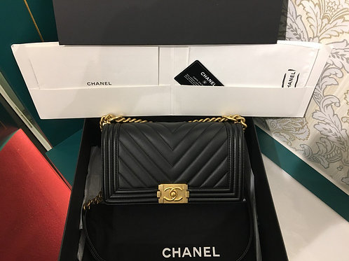 #25 BNIB Chanel Boy Chevron Old Medium Black Calfskin with GHW