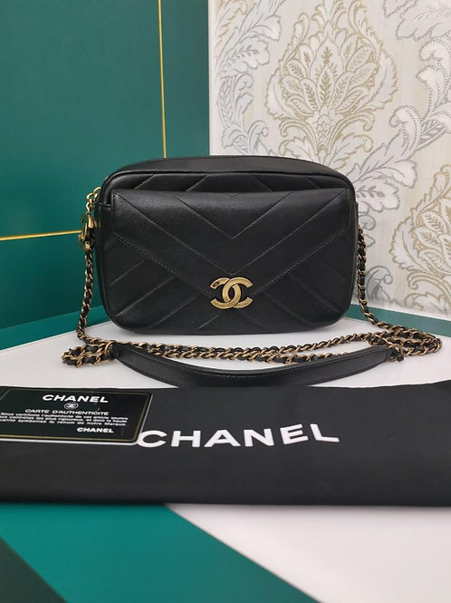 #22 Like New Chanel Camera Case Shoulder Bag Black Calf Aged GHW
