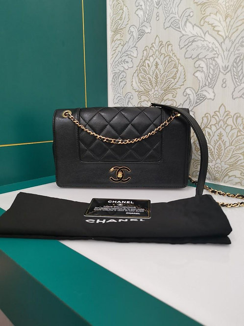 #23 Like New Chanel Flap Medium Black Calf GHW