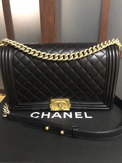 #23 LNIB Chanel Boy New Medium Black With Ghw