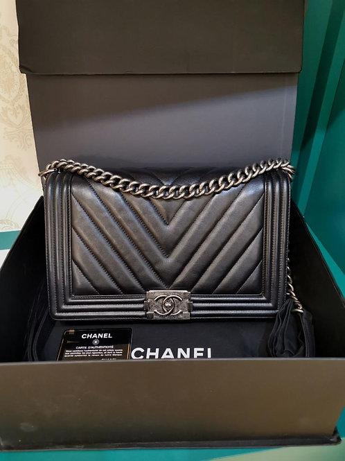 #20 Chanel Boy New Medium Black Calf RHW
