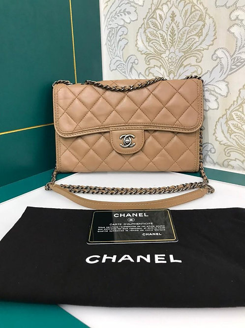 #18 Chanel Flap medium Dark Beige Calf with RHW