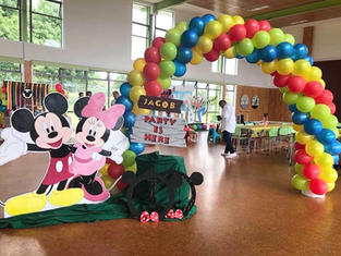 Balloon Arc Welcome Signage