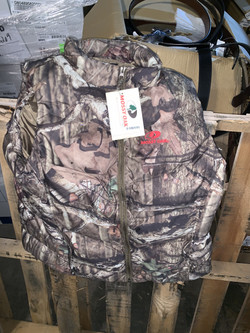 Mossy Oak Camo Puffy Vest
