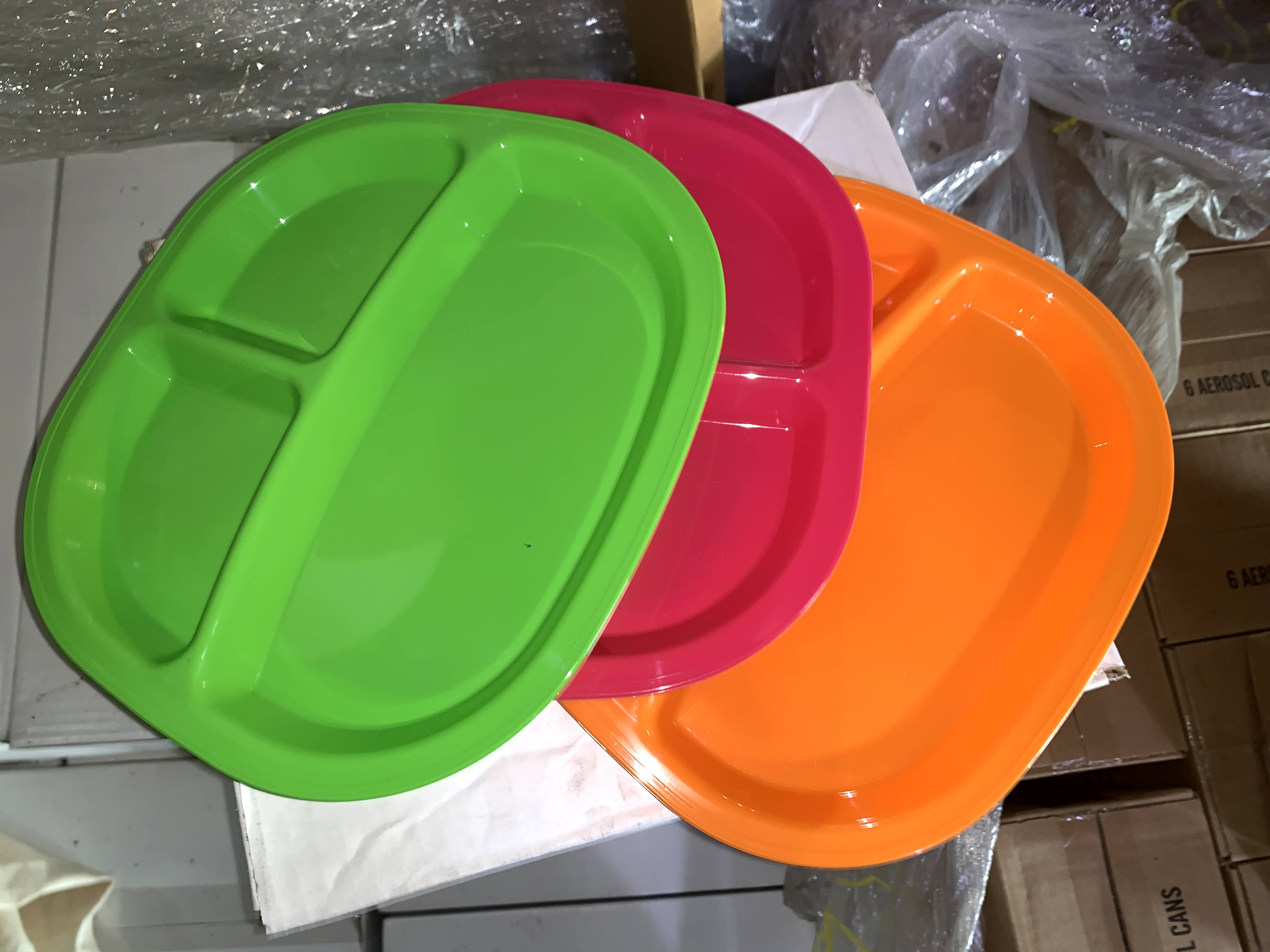 Plastic Divider Camping Plates