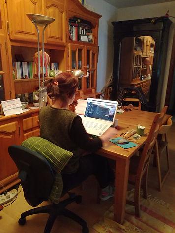 Norma Estrella en su lugar de trabajo.jp