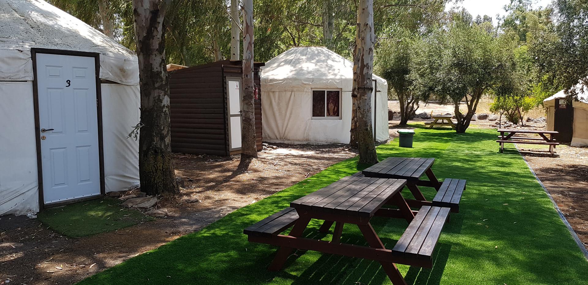 יורטים זוגיים- אוהלים ממוזגים