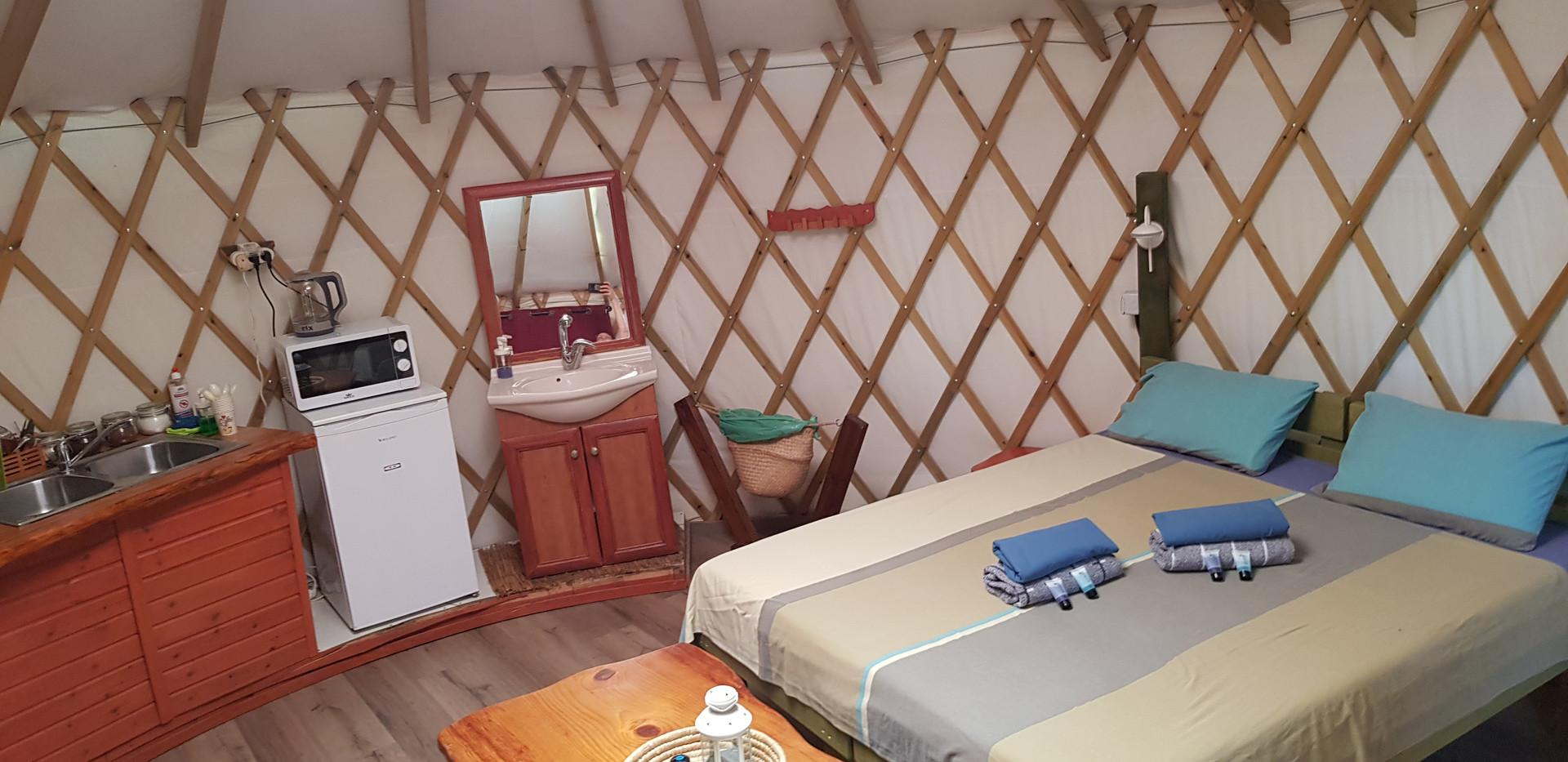 יורט זוגי- אוהל ממוזג.jpg