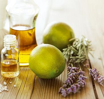 Ätherische Öl für die Aromaölmassagen