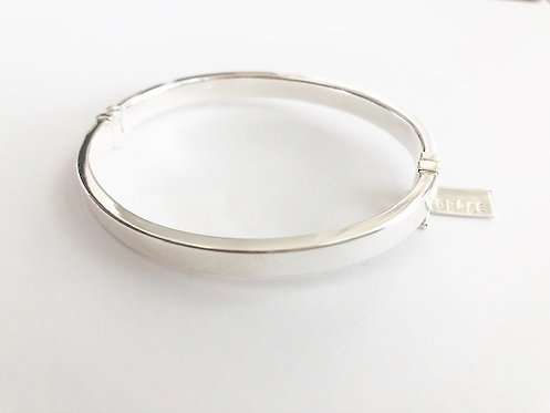 Sterling Silver Oval Hinged Bracelet - 4mm
