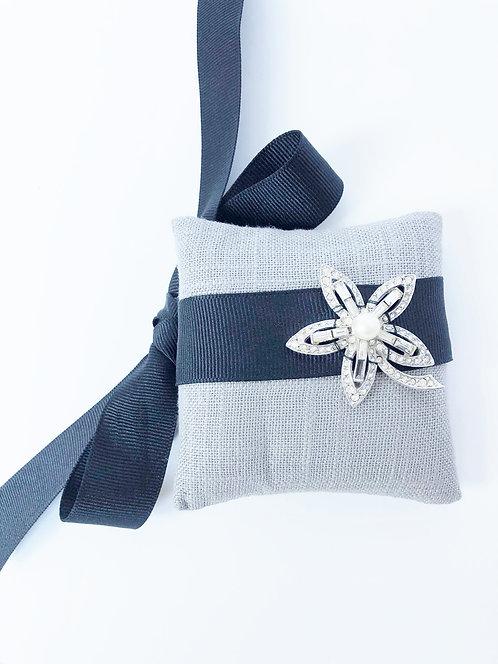Vintage Rhinestone Ribbon Wrap Bracelet - Black