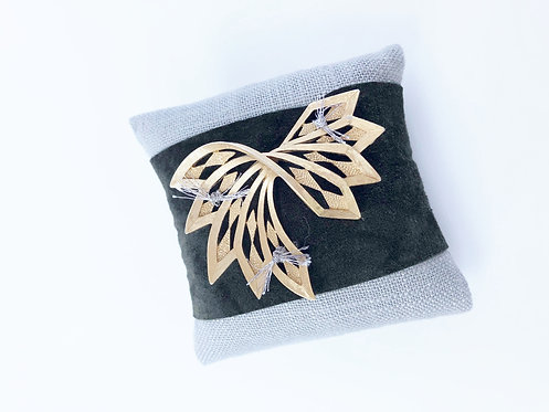 Vintage Brooch Suede Leather Wrap - Green
