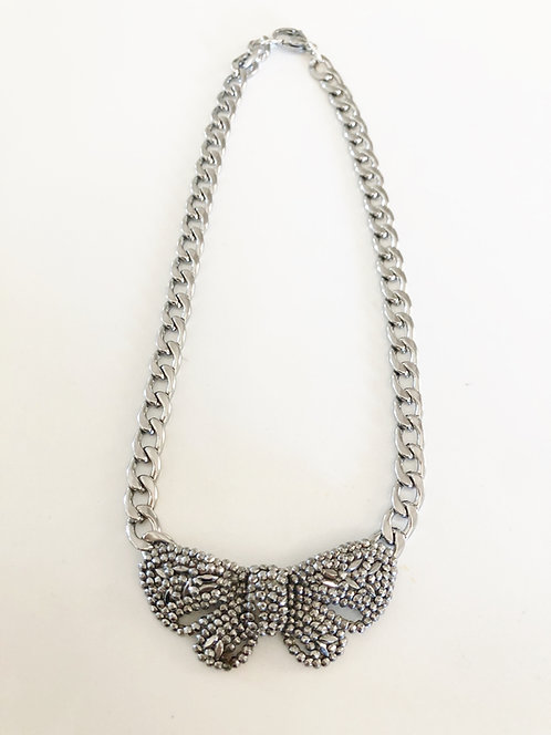 Vintage Bow Collar