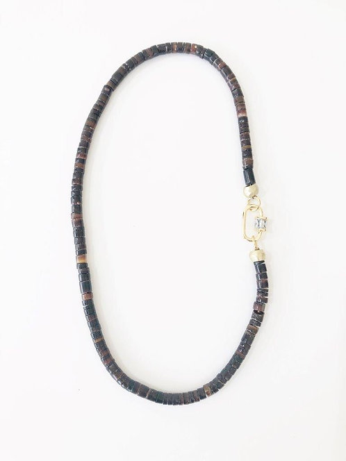 BLACK LUXE Crushed Shell Necklace