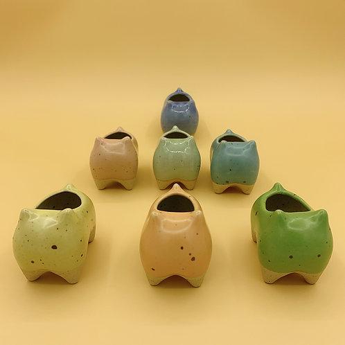 GP230 | glazed pots | Nordic style| frog | random colour