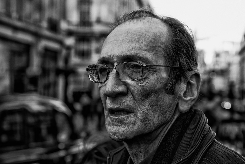 Old-ish man with glasses