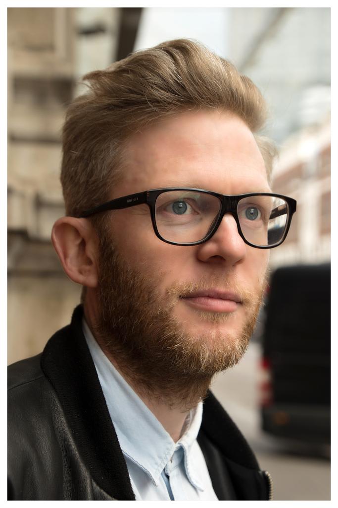 Tom Van Hofflan, Architect
