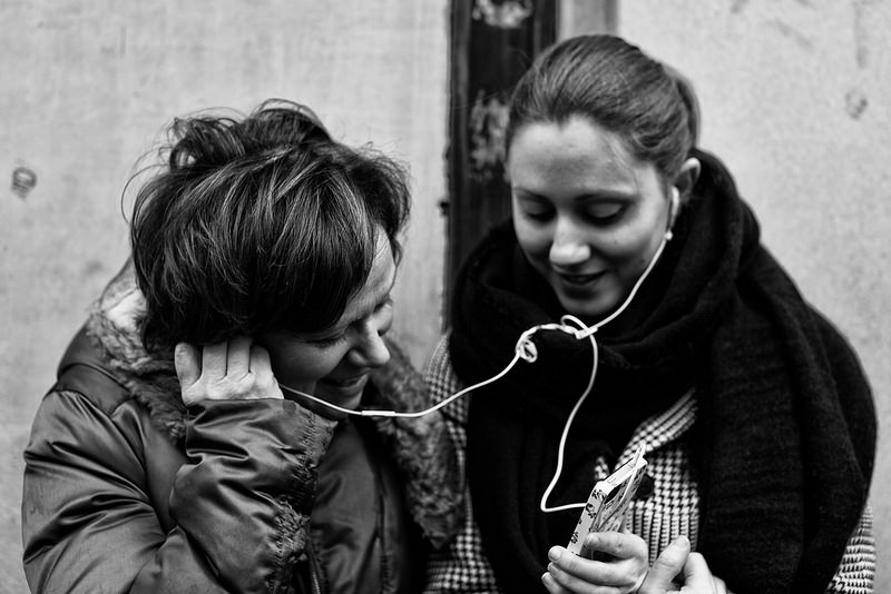 Mother and Daugther and iPhone