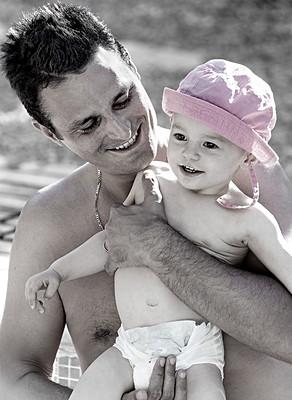 Un moment de joie entre un père et sa fille