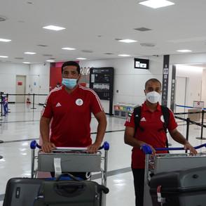 وصول الرامي سيف بن فطيس والدكتور عبد الله الرحومي نائب رئيس لجنة الطب الرياضي باللجنة الأولمبية وطبيب الوفد المشارك في دورة الألعاب الأولمبية بطوكيو.