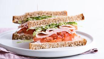 turkey-sandwich-09f5e7ad540f4f28994e80bd