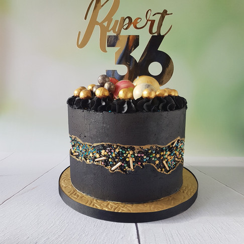 Black Butter Cream Fault Line Cake