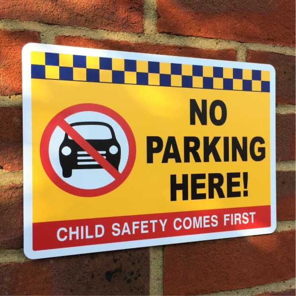 school_no_parking_safety_signs_1.jpg