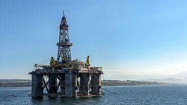 oil-rig-3522577_1920.jpg
