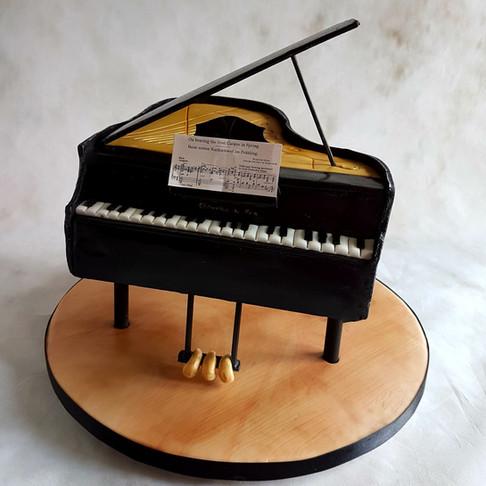 Chocolate Piano Cake