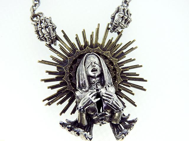 ゲルダ、女神のペンダント