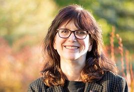 Linda Lenhoff author photo 2020.jpg