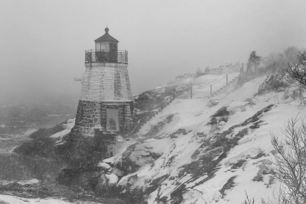 Castle Hill Lighthouse during nor'easter